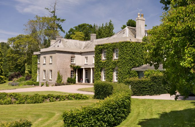 Fursdon house and tennis court