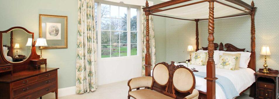 Bressingham bedroom and mirror