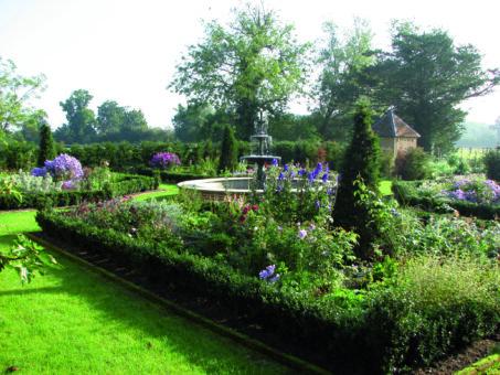 Crows Hall Garden