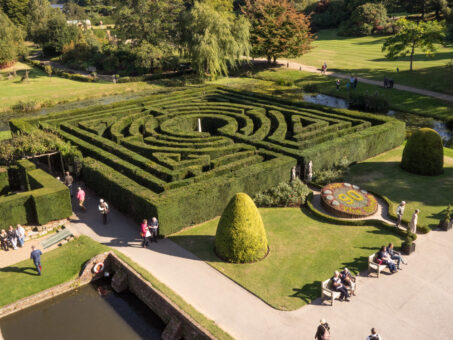 Hever Castle maze in the grounds