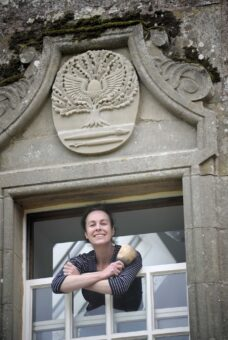 Michelle de Bruin Stone Artist at Marchmont - Colin Hattersley Photography