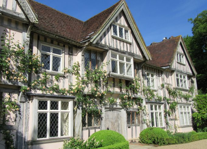 Pashley Manor House and Gardens