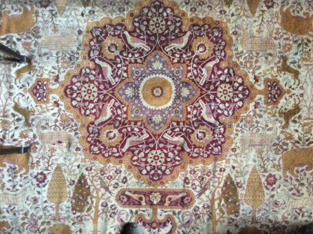 Silk Chinese rug of Broadward Hall complete rug