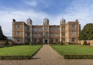 east-front-hall-exterior-17-may-2021-doddington-hall-credit-heritage-photographic-copyright-doddington-hall-2021