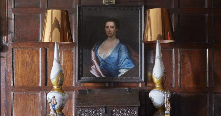 Harlington Manor credit David Parmiter - image of portrait painting